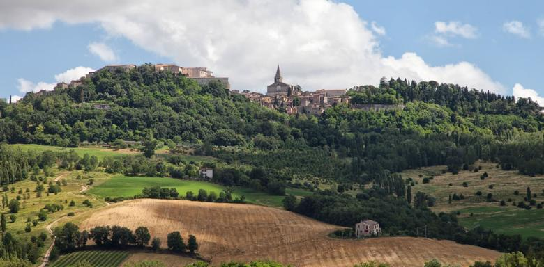 Historic villages between Todi and the Martani Mountains