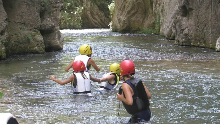Canyoning in the Forra della Villa gorge in the Valnerina